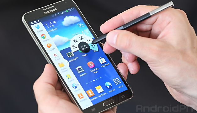 Galaxy Note Points the Way between Smartphones and Tablets