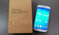 Galaxy S4 for Sending a Group SMS on Samsung Devices: Galaxy S4 Open The Box